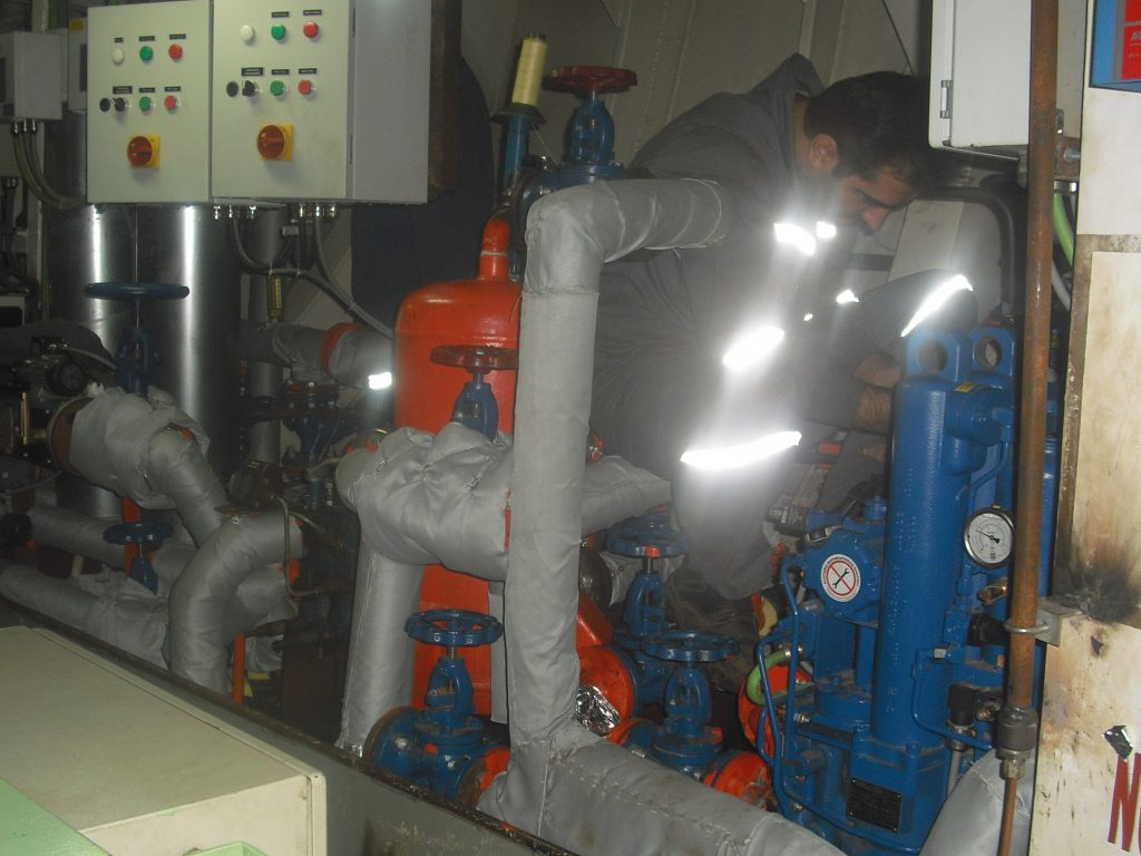 custom made marine remowable insulation for pipes