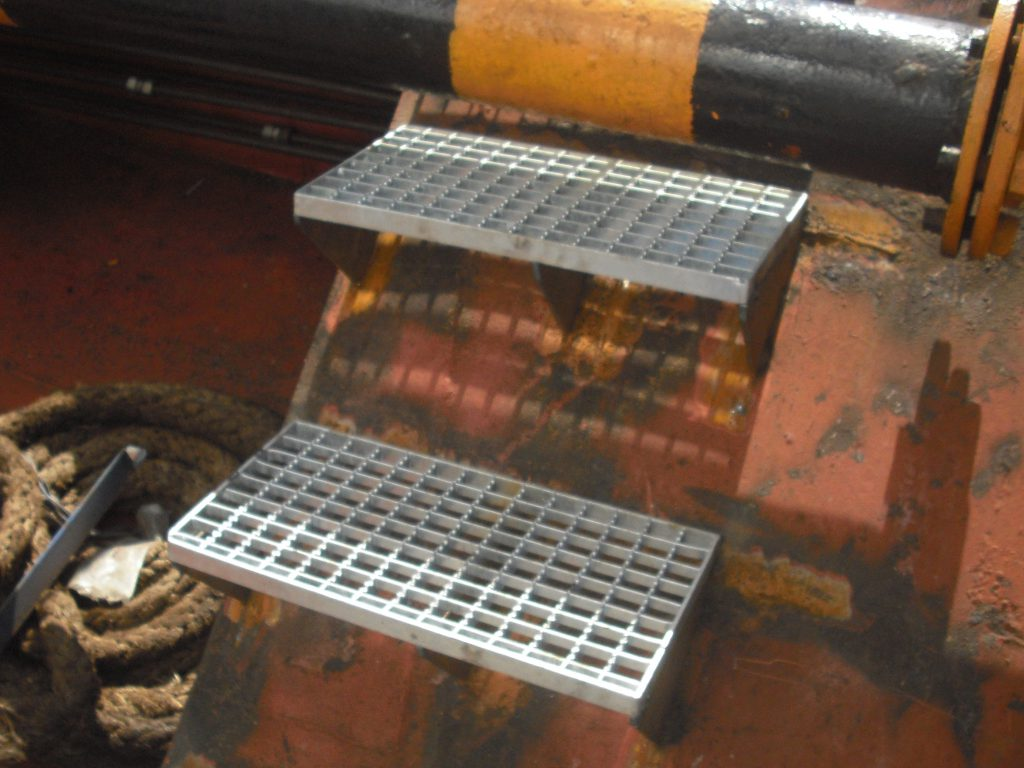 fabrication of steel grating steps