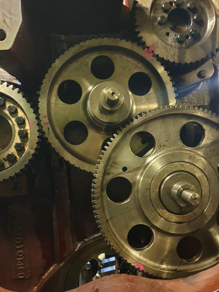 main engine gears