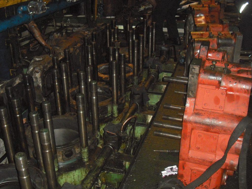 main engine overhauling