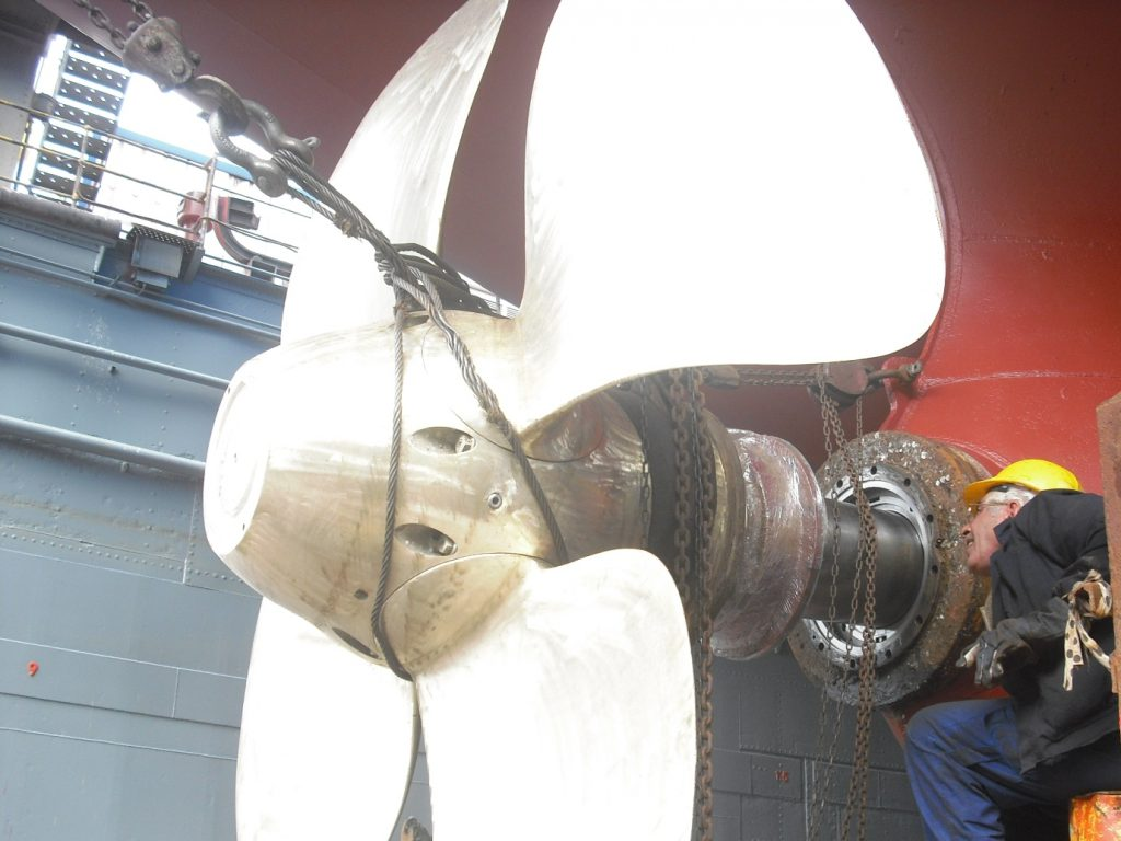 shaft propeller works