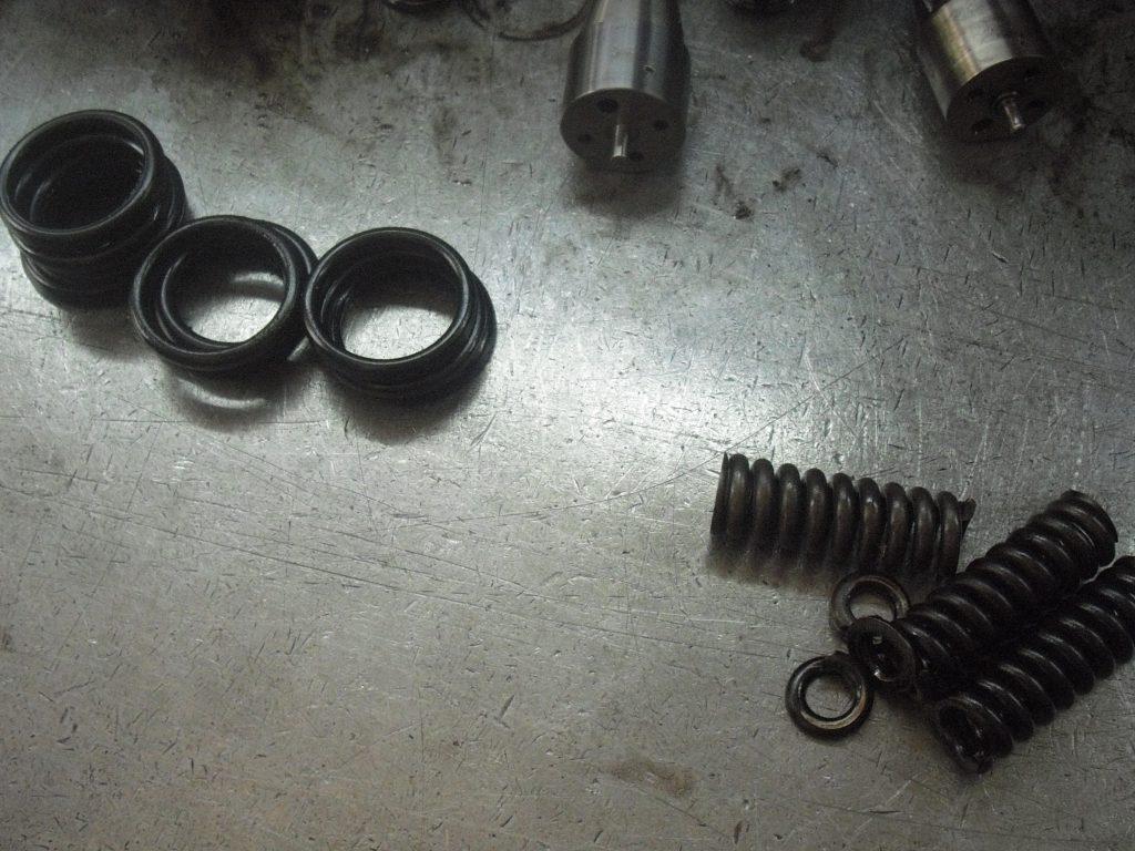 springs of injectors